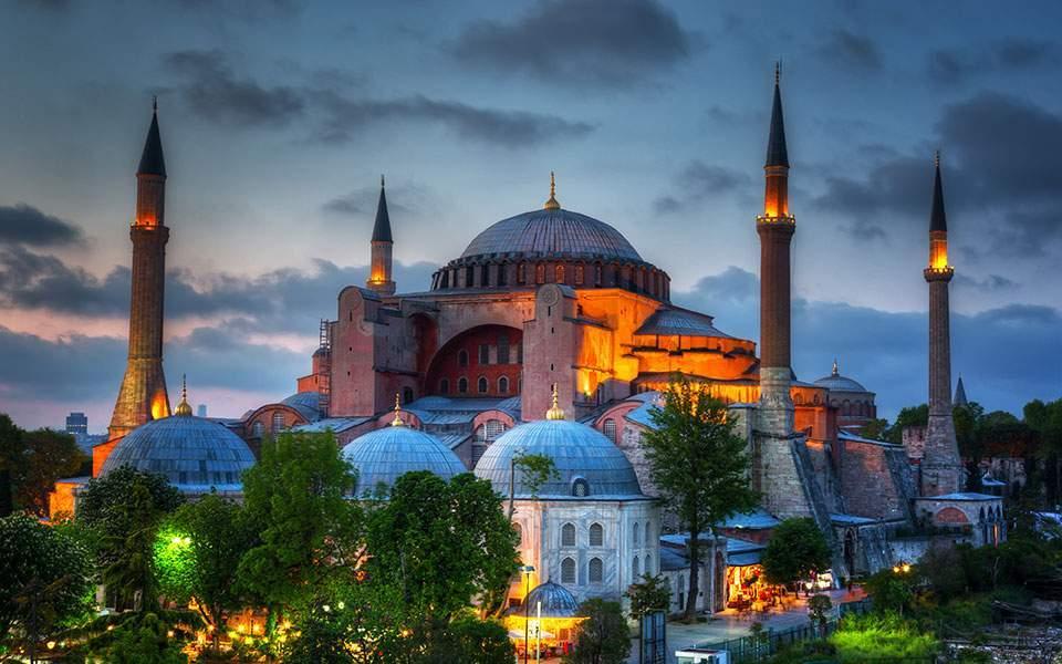 Κομισιόν: Η Αγία Σοφία δεν πρέπει να χρησιμοποιείται για να τροφοδοτούνται διαφωνίες μεταξύ των θρησκειών