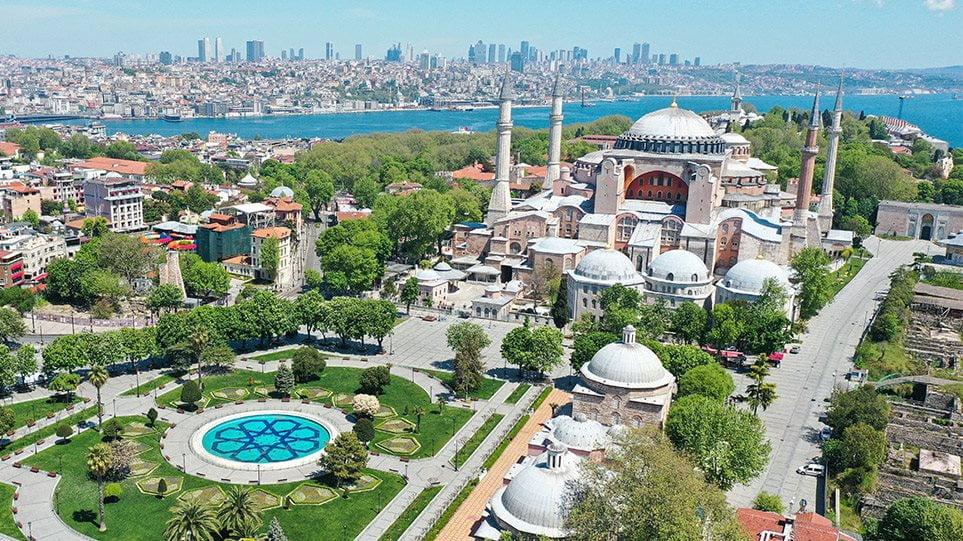 Αγιά Σοφιά: Γιατί είναι παράνομη η απόφαση του τουρκικού ΣτΕ – Τα επιχειρήματα της UNESCO