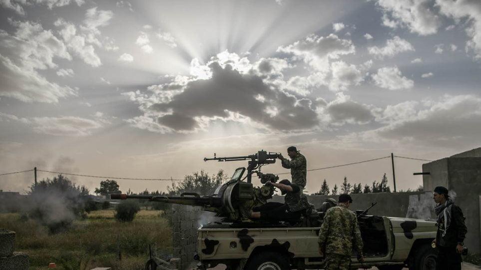 Συμφωνία για «μόνιμη κατάπαυση του πυρός» στη Λιβύη