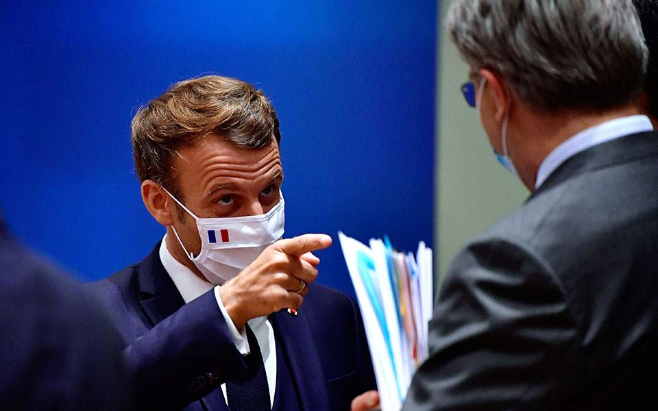 Εμανουέλ Μακρόν στη Σύνοδο Κορυφής: Ιστορική μέρα για την Ευρώπη