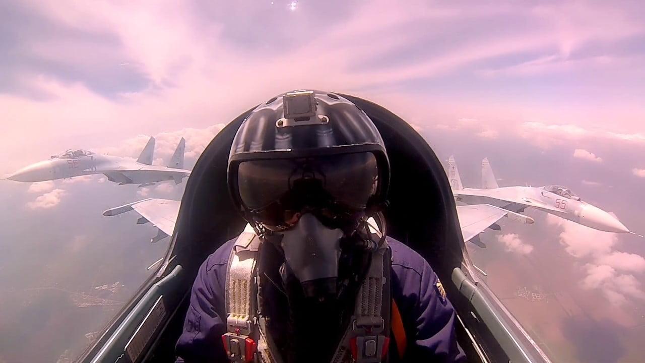 Οι «Αετοί» της Ρωσίας: Ρωσικά μαχητικά αεροσκάφη εν δράσει σκίζουν τους αιθέρες – Βίντεο