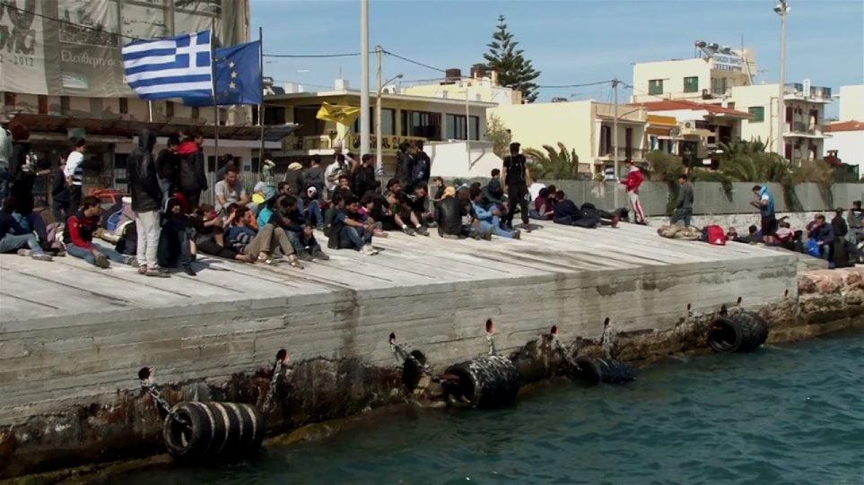 Έχει ξεφύγει η κατάσταση στη Χίο! Εισβολές λαθρομεταναστών σε σπίτια – Έβγαλαν μαχαίρι (ΒΙΝΤΕΟ)