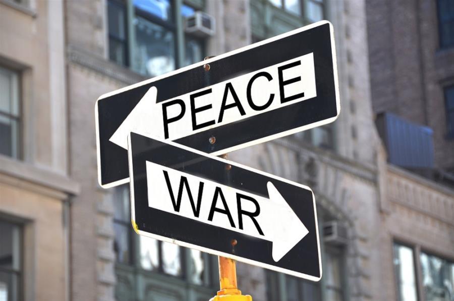 Πόλεμος ή Eιρήνη: Το δίλημμα που επιτάσσει την ίδια λύση