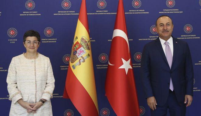 """Αυτό έτσουξε: Η ισπανίδα ΥΠΕΞ εκνεύρισε τον Τσαβούσογλου: """"Η Αγιά Σοφιά να παραμείνει μέρος της κοινής μας κληρονομιάς"""""""