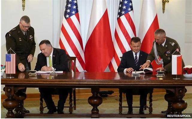 Ενισχυμένη αμυντική συνεργασία υπέγραψαν Πολωνία και ΗΠΑ
