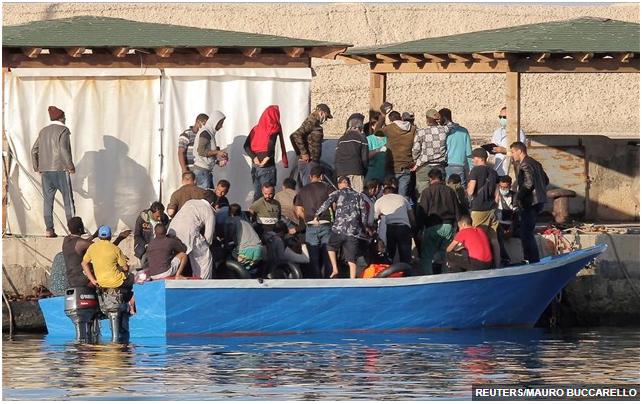 Παράνομη μετανάστευση: Ένταση στην Ιταλία, ηρεμία στην Ελλάδα