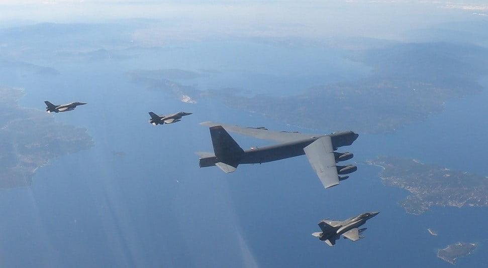 Ελληνικά F-16 συνόδευσαν αμερικανικό βομβαρδιστικό κατά την πτήση του εντός των FIR Αθηνών και Σκοπίων