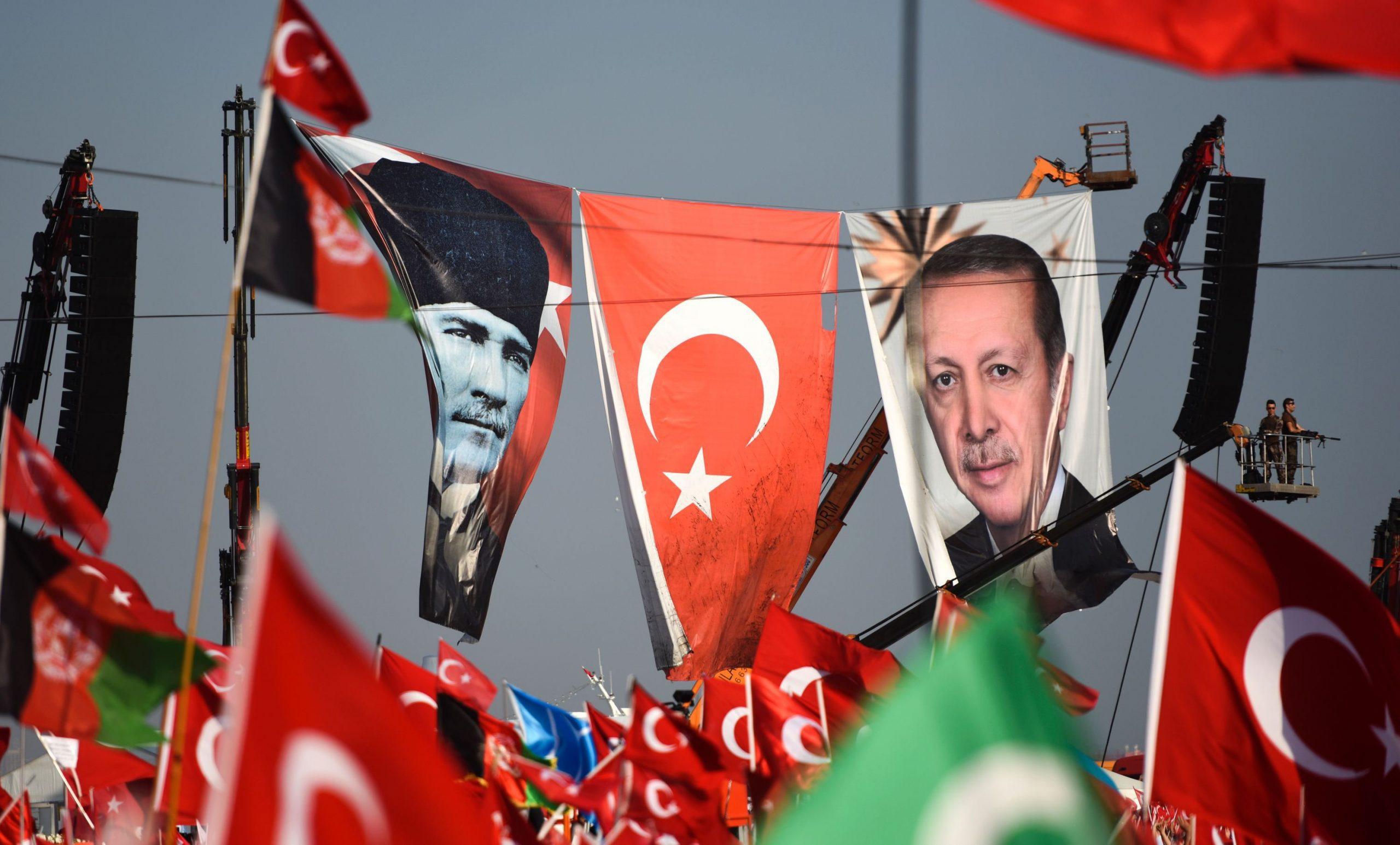 Kεμαλισμός και ισλαμο-οθωμανισμός του Ερντογάν