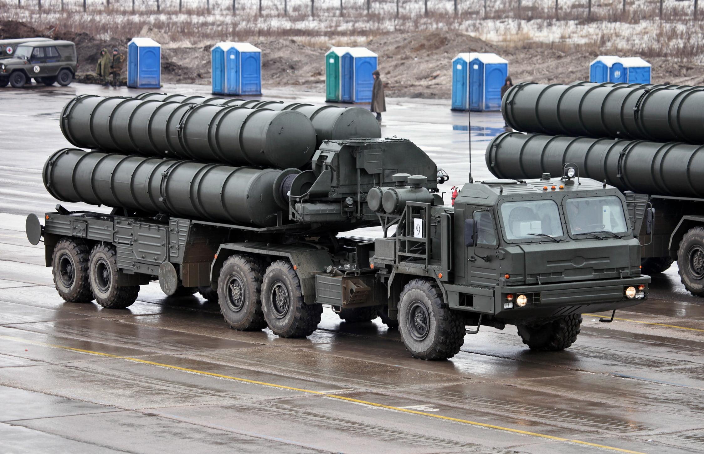 Το Ιράν ενδιαφέρεται για τους ρωσικούς S-400 και οι ΗΠΑ με το Ισραήλ ετοιμάζονται για το ενδεχόμενο