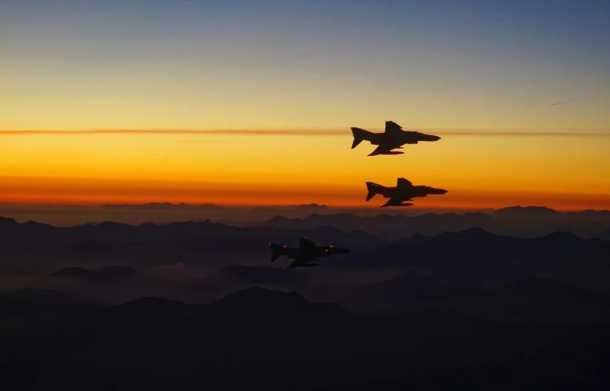 Απόλυτη κυρίαρχος στο Αιγαίο η Πολεμική Αεροπορία: «Ασπίδα» στις τουρκικές προκλήσεις – Τα Phantom ξανά πάνω από τα ακριτικά νησιά