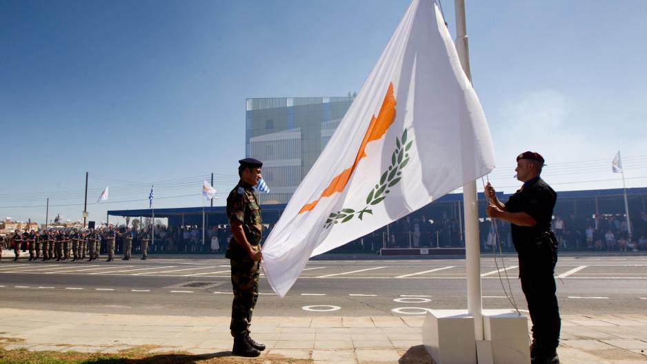 Φλερτάρουν κατάργηση της Κυπριακής Δημοκρατίας από την Ελλάδα μέσω Ε.Ε.