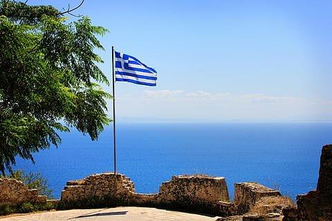 Η Ελλάδα σήμερα: Η πραγματικότητα,ένα σενάριο παραίσθησης