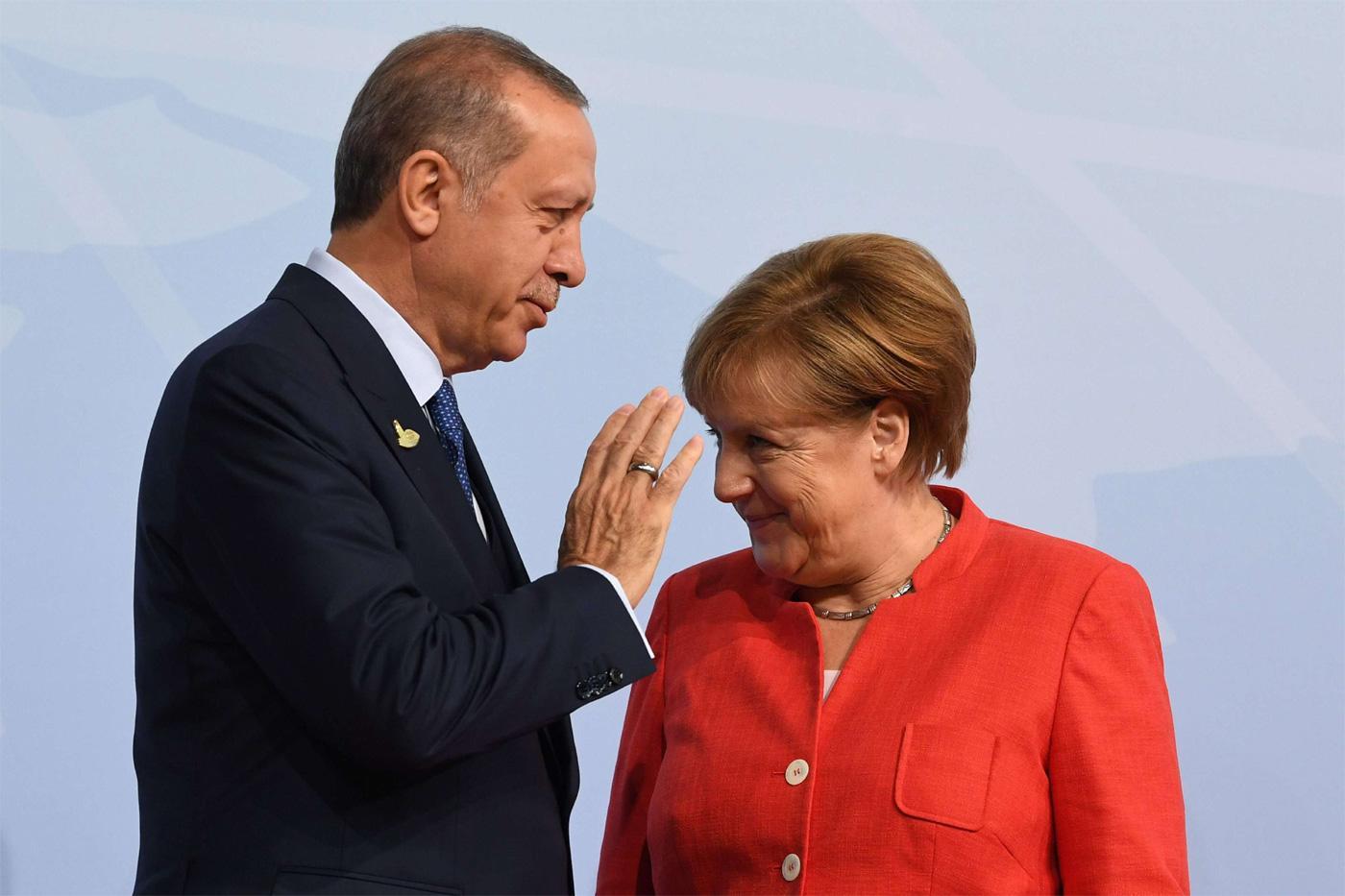 DW: Συνομιλίες Ελλάδας-Τουρκίας μάλλον μετά τις 23 Αυγούστου