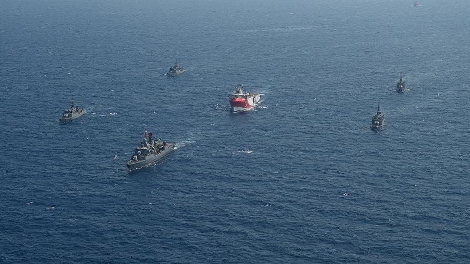 Το Oruc Reis συνεχίζει την πορεία του – Είσαστε σε τουρκική υφαλοκρηπίδα απαντούν στο ελληνικό ναυτικό