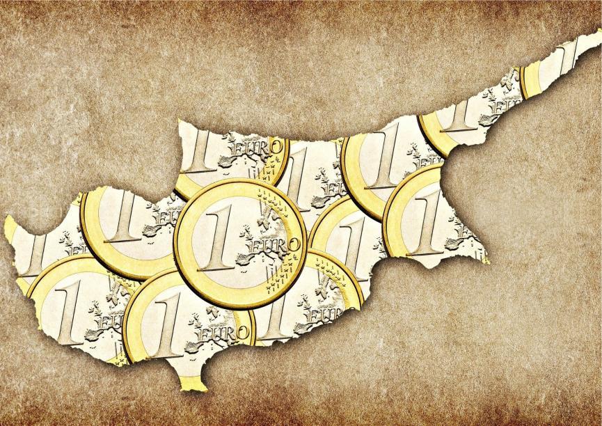 Η κυπριακή οικονομία ανάμεσα σε ΗΠΑ και Ρωσία