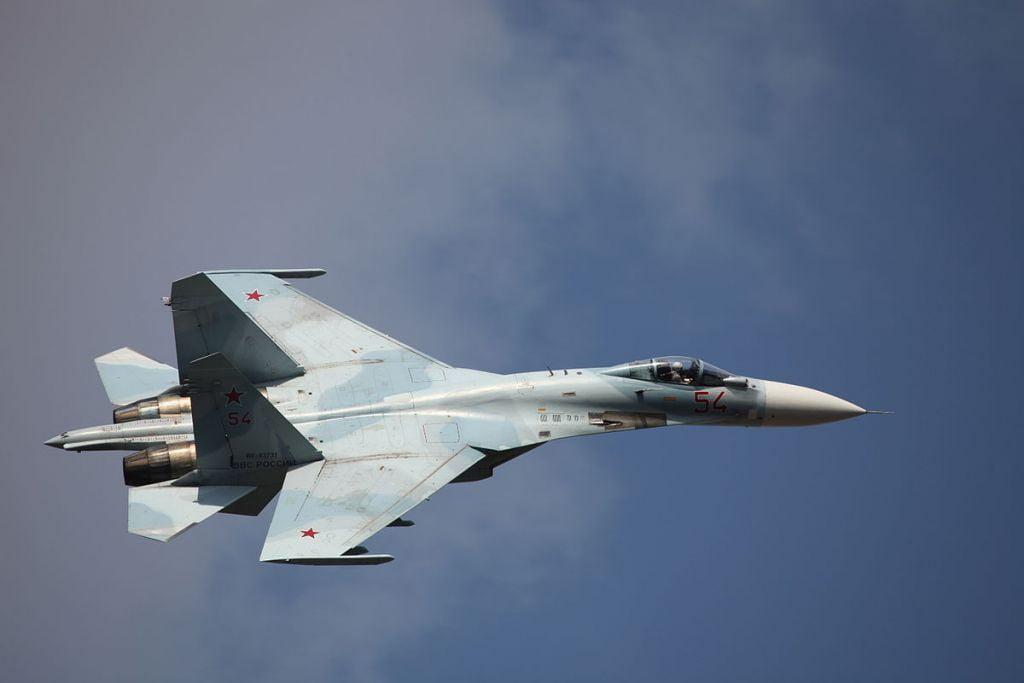 Ρωσικό μαχητικό Su-27 αναχαίτισε αεροσκάφη των ΗΠΑ και Βρετανίας στον Εύξεινο Πόντο