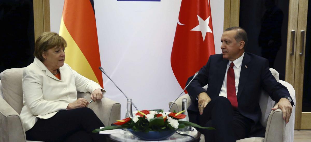 Αποκάλυψη του Fehim Işık: Ο Ερντογάν εκβιάζει τη Γερμανία για να αποφύγει τις κυρώσεις, χρησιμοποιώντας το μεταναστευτικό και συμμορίες ισλαμιστών