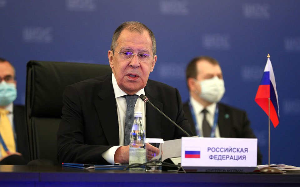 Είναι συνειδητή η υπονόμευση των σχέσεων Ελλάδας και Ρωσίας την παραμονή της επίσκεψης του ΥΠΕΞ Λαβρόφ;