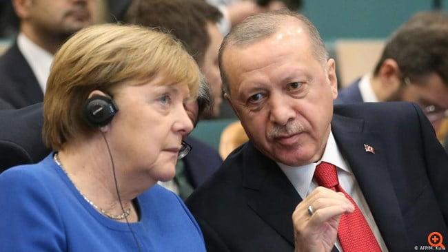 Focus: Ο Ερντογάν πρέπει να ελπίζει στη Μέρκελ