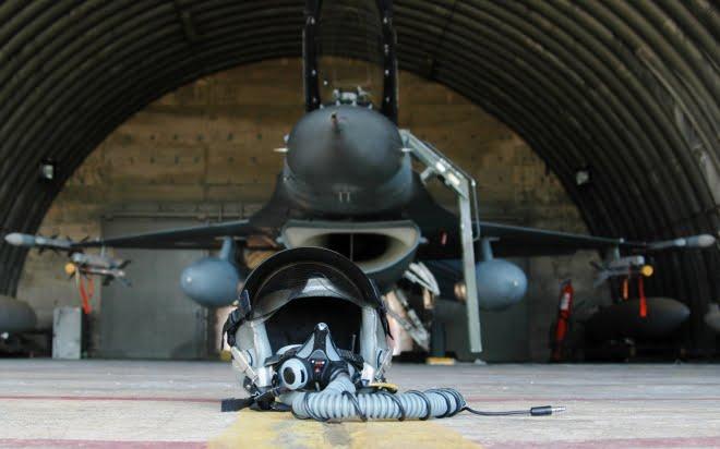 «ΑΝΔΡΕΣ ΓΑΡ ΠΟΛΙΟΣ ΠΥΡΓΟΙ» – Η Πολεμική Αεροπορία μετά τον «Τυφώνα»