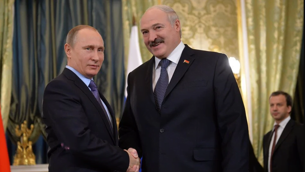 Ο Λουκασένκο ζήτησε από τον Πούτιν νέους εξοπλισμούς