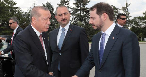 FinCEN Files: Στην λίστα και η τουρκική Aktif Bank του γαμπρού του Ερντογάν – Ξέπλυμα χρήματος, Wirecard και πορνό