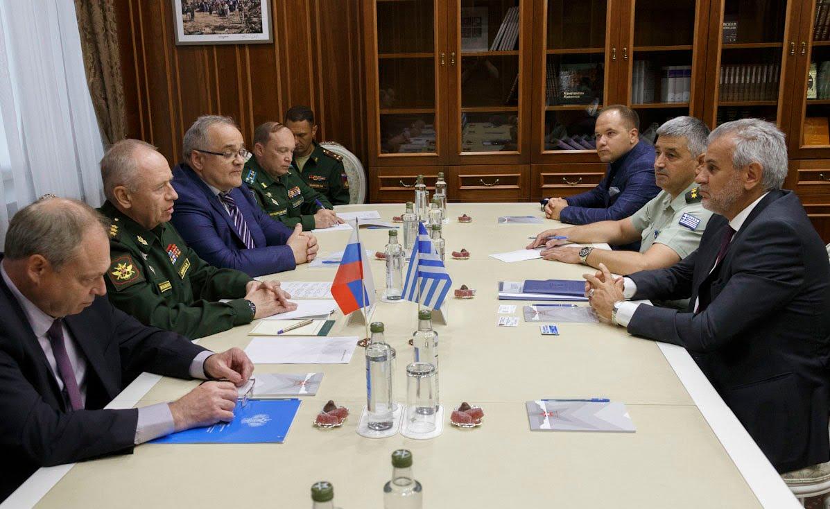 Μόσχα: Συνάντηση Αντιπτεράρχου Λάγιου με στρατηγό Φομίν με φόντο την ελληνορωσική αμυντική συνεργασία