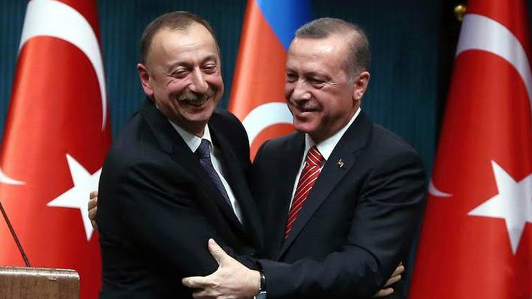 Τουρκικό «φέσι» στο Αζερμπαϊτζάν – Οι στενές σχέσεις των δύο χωρών