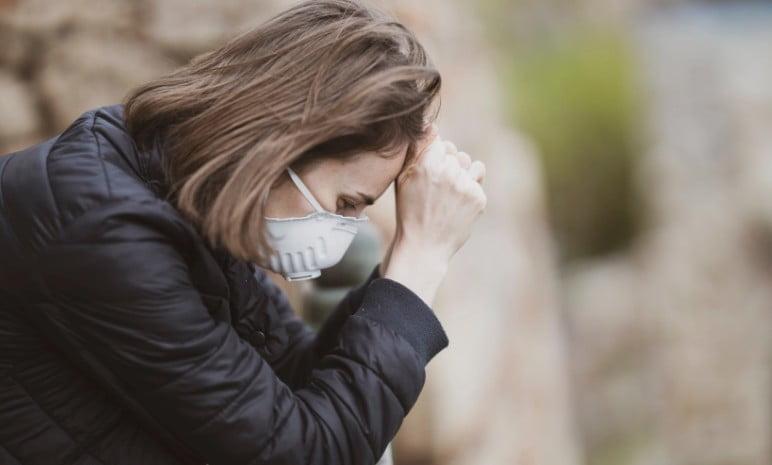 Ο κορωνοϊός στρεσάρει τους Έλληνες: Αυτές είναι οι επιπτώσεις της πανδημίας στην ψυχική υγεία – Τρόποι αντιμετώπισης