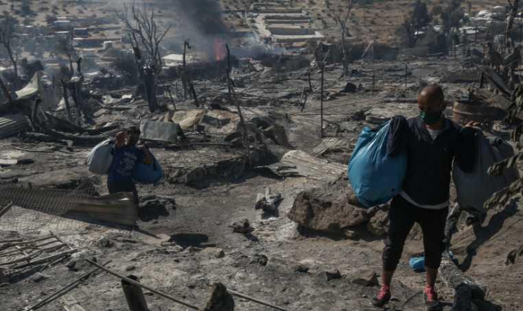 Μητσοτάκης: Η Μόρια κάηκε από «υπερδραστήριους» πρόσφυγες και μετανάστες για να μας εκβιάσουν