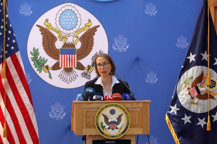 Πρέσβειρα των ΗΠΑ στην Κύπρο: Όπλα πολιτικής βαρύτητας για την Κυπριακή Δημοκρατία