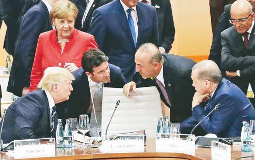 """Προσπαθούν να εξαπατήσουν την Ελλάδα με το """"διάλογο"""", για να αποφύγει η Τουρκία τις κυρώσεις"""