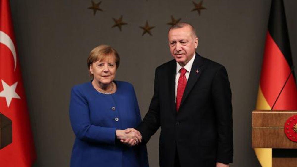 """Επιμένει η Μέρκελ: """"Μη τον Ερντογάν τάραττε"""""""