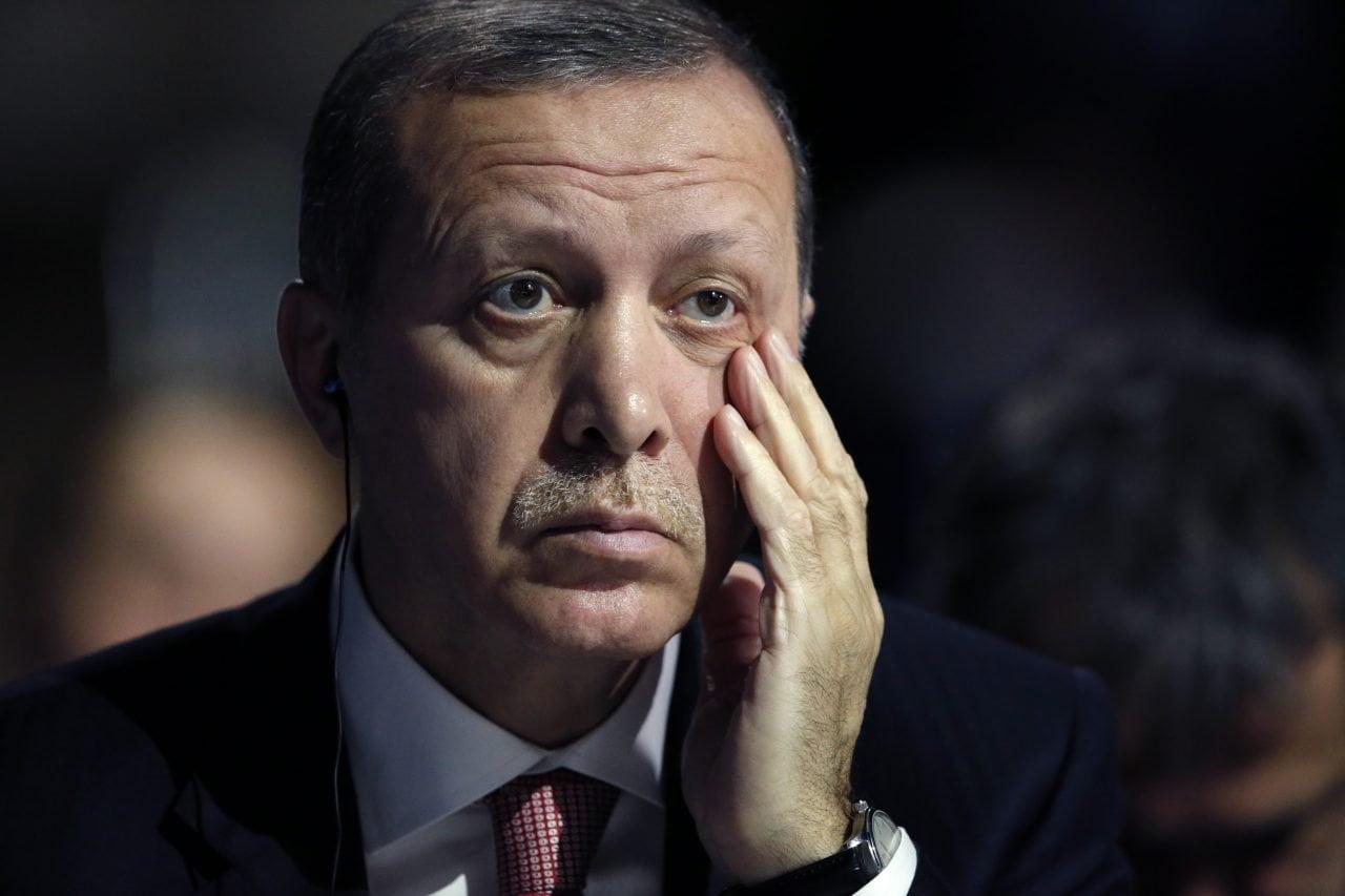 Κρύος ιδρώτας για Ερντογάν: To bank-run των Τούρκων, άρχισε! Νέο ιστορικό χαμηλό για λίρα