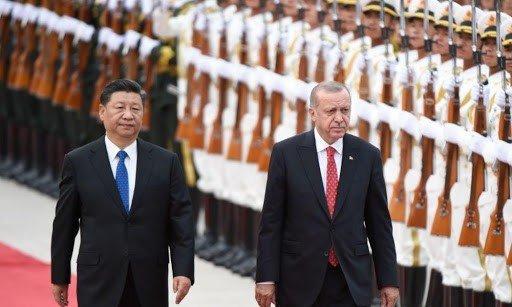 Foreign Policy: Ο Ερντογάν «ξεπουλάει» την Τουρκία στην Κίνα για να μην πέσει στην «αγκαλιά» του ΔΝΤ