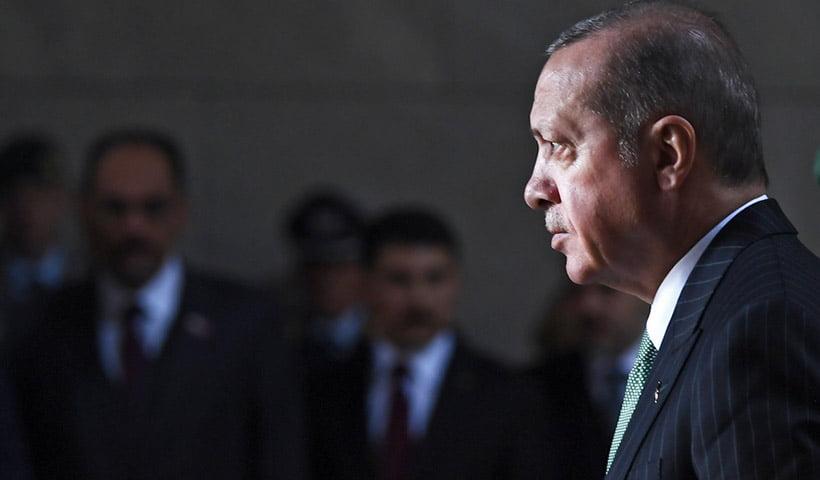 Τα πυρά Ερντογάν κατά ΕΕ, το «σόου» στο γεωτρύπανο και οι νέες αντιδράσεις από ΗΠΑ για τους S-400