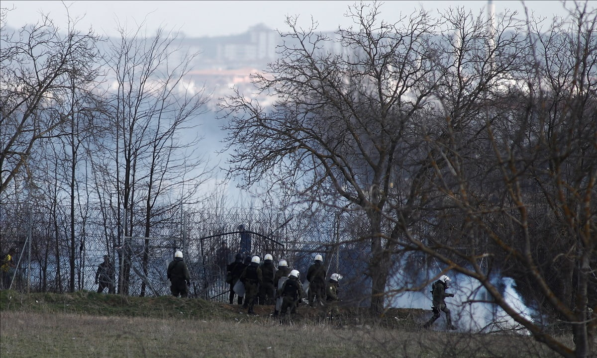 Μάχη σε χωριό του Έβρου! Παράνομοι μετανάστες άρπαξαν όπλα