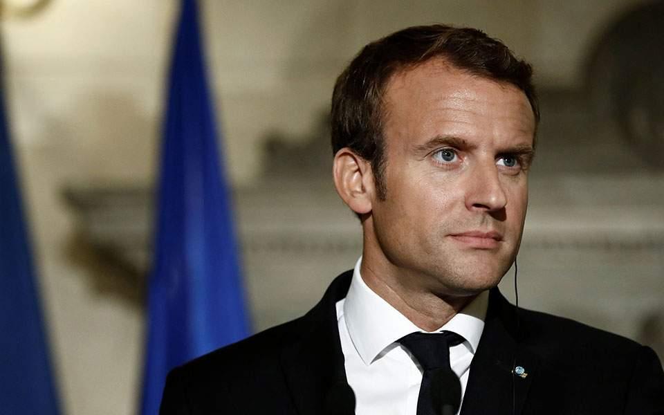 Μακρόν: Η Γαλλία δέχεται επίθεση
