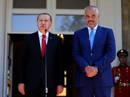 """Ο Ράμα """"προσκύνησε"""" τον Ερντογάν, στο εξοχικό του στη Μαρμαρίδα, πριν έλθει στην Αθήνα"""