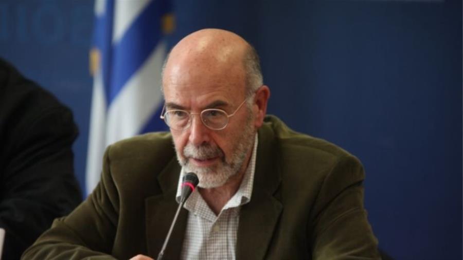 Καθηγητής ελληνικού πανεπιστημίου Αν. Λιάκος: «Κι εγώ φωτιά θα έβαζα στη Μόρια»
