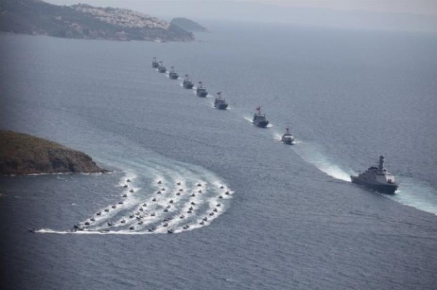 Bloomberg: Η επίδειξη δύναμης της Τουρκίας στη Μεσόγειο δεν αφορά μόνο το φυσικό αέριο