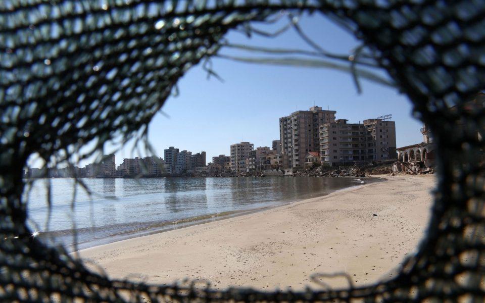 Κύπρος: Επεισόδια στο οδόφραγμα της Δερύνειας