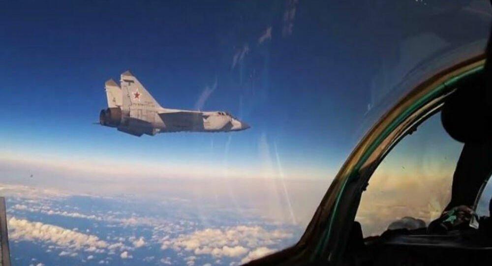 Αερομαχία στην Στρατόσφαιρα: Ρωσικό MiG-31 επιχειρεί στα 20 χιλ. μέτρα – Βίντεο