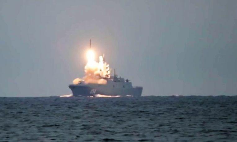 Η εκτόξευση του υπερηχητικού πυραύλου Zircon – Βίντεο