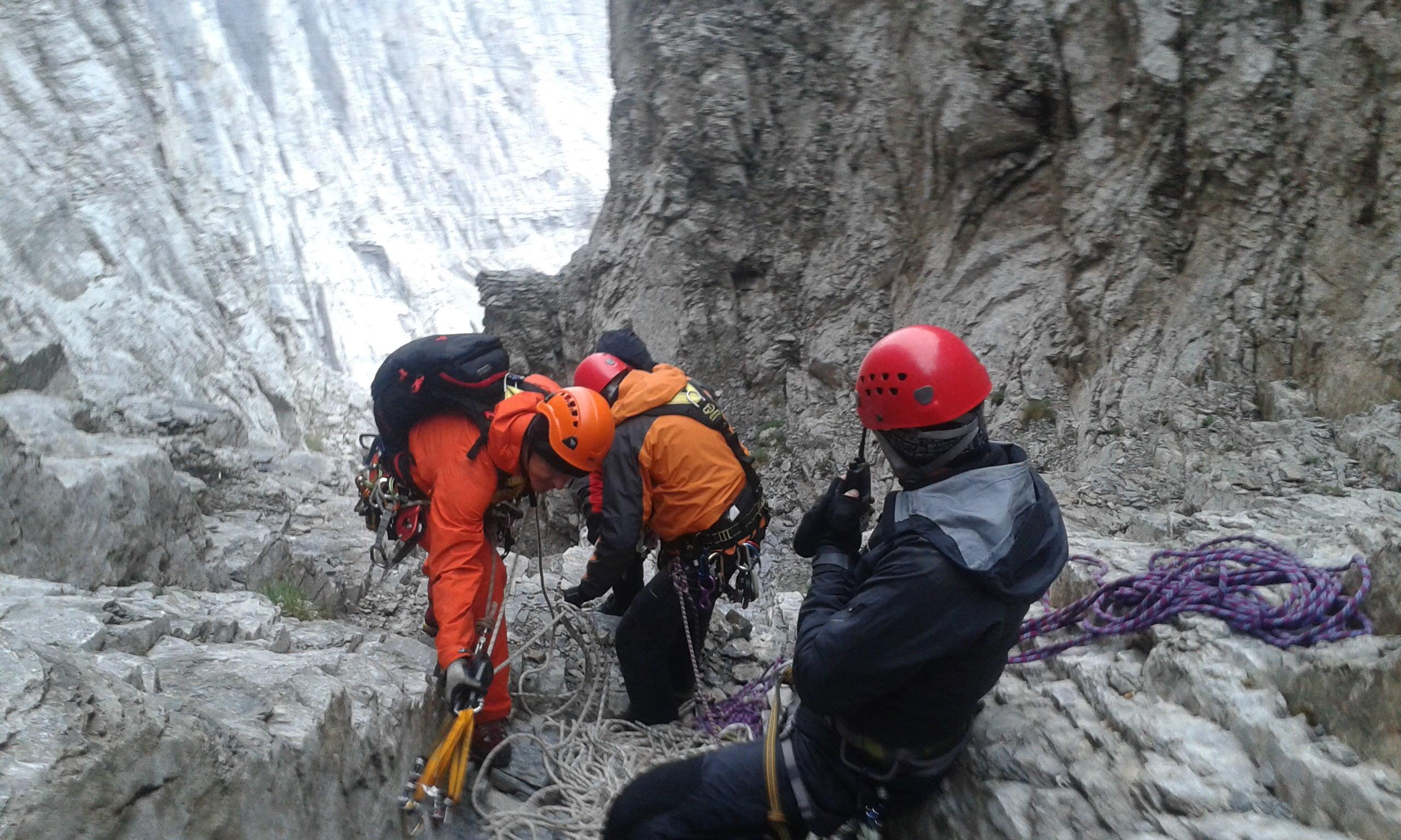 Η ομάδα της ΕΜΑΚ μιλάει για τις επιχειρήσεις διάσωσης ορειβατών στον Όλυμπο