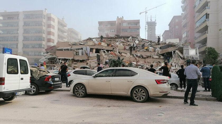 Ισχυρός σεισμός: Συγκλονιστικά βίντεο από τη Σμύρνη – Μεγάλες καταστροφές – Έπεσαν κτίρια – Αγνοούνται άνθρωποι (Βίντεο)