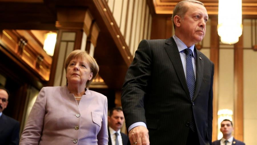 Ερντογάν σε Μέρκελ: Υποκύψατε στον εκβιασμό Ελλάδας, Κύπρου