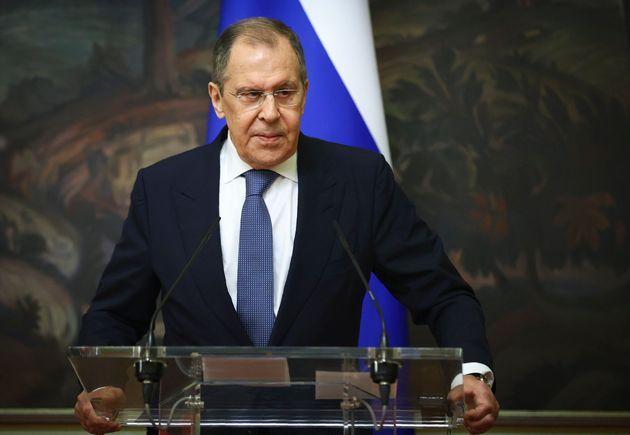 Μόσχα καλεί Αθήνα – Ο ρόλος της επίσκεψης Λαβρόφ