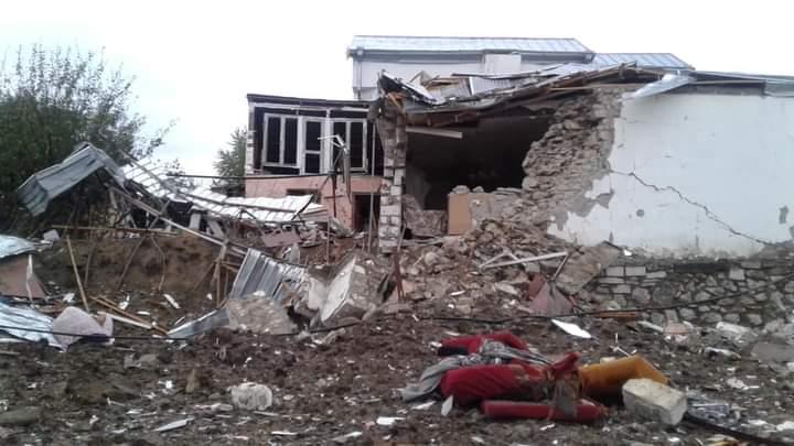 Εικόνες από το Στεπανακέρτ μετά τους συνεχείς βομβαρδισμούς (ΦΩΤΟ)
