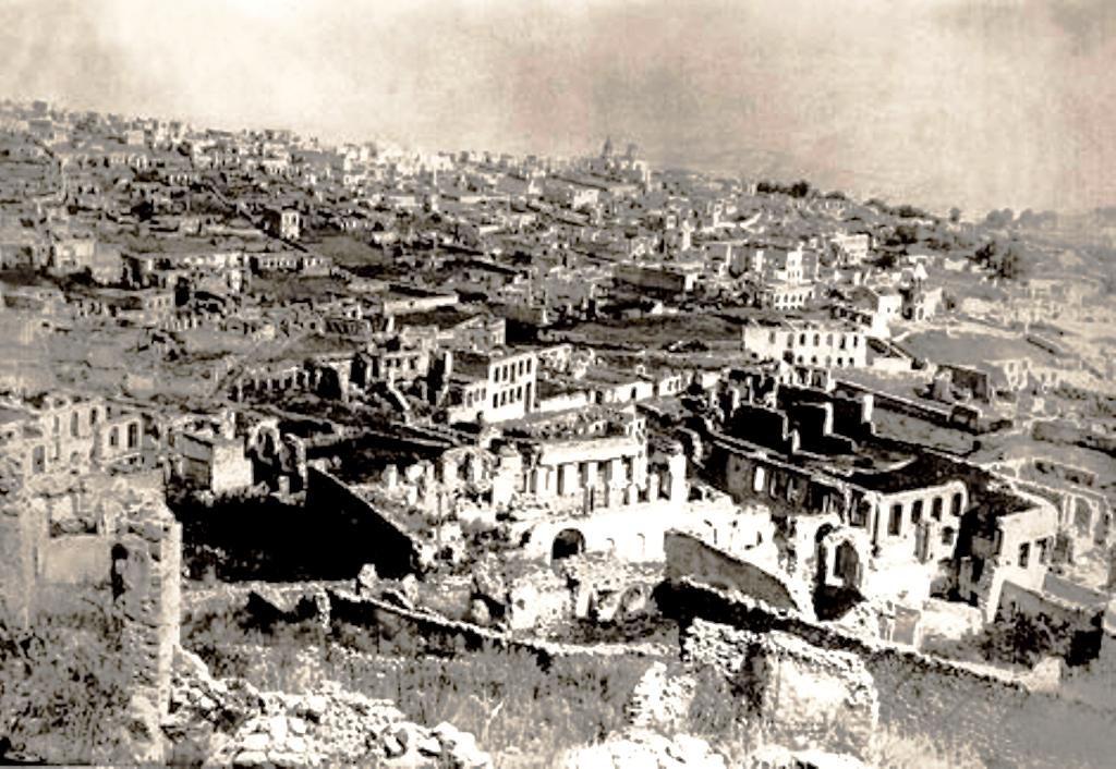 Ο βομβαρδισμός του ναού στο Καραμπάχ αποδεικνύει ότι ο πόλεμος γίνεται για την εξόντωση των Αρμενίων